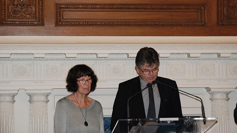 Avec beaucoup d'émotion Jean-Félix Vallat rend hommage au travail de Mme Alonso sur ses parents assassinés en Algérie. ©EC/FM-GACMT
