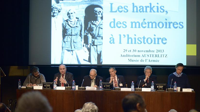 De gauche à droite: M. François-Xavier Hautreux, M. Renaud Bachy, Hamlaoui Mekachera ꭞ, M. Frédéric Grasset, le général François Meyer et M. Guy Pervillé