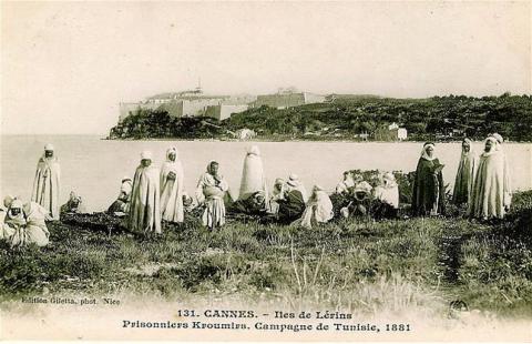 Une circulation transméditerranéenne forcée : l'internement d'Algériens en France au XIXe siècle