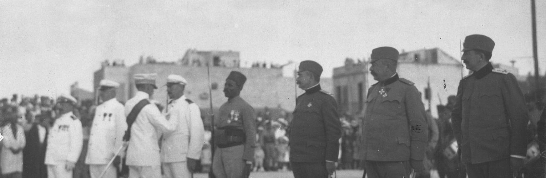 La Tunisie du Protectorat à l'Indépendance : Histoire et Mémoires