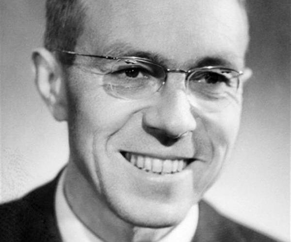 Jean-Marcel Jeanneney, ambassadeur de France en Algérie, en 1962