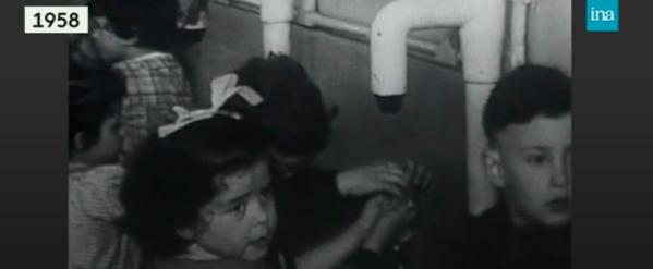 Archives Ina : CORONAVIRUS -  Frotter, mousser, rincer... 60 ans de lavage de mains