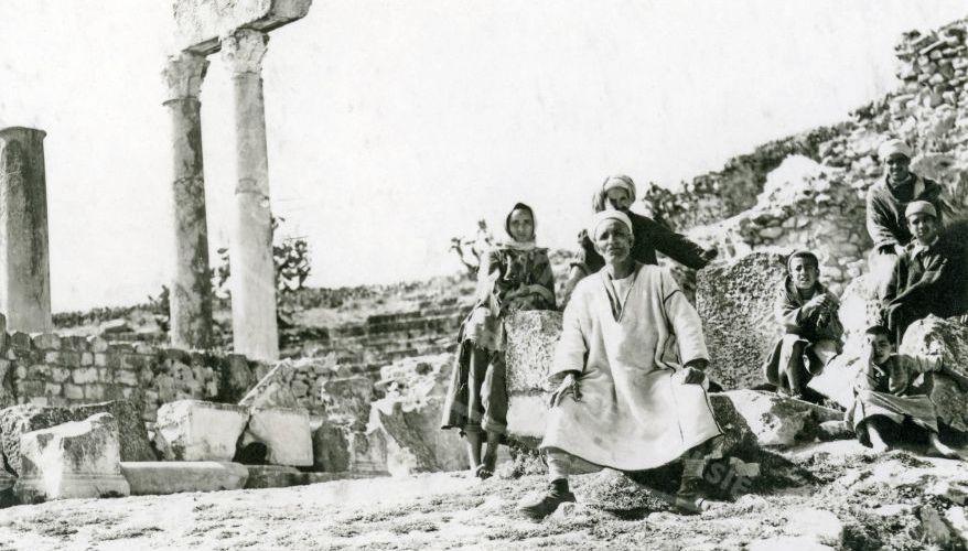 FENNEC : une photo à découvrir, les ruines de Dougga