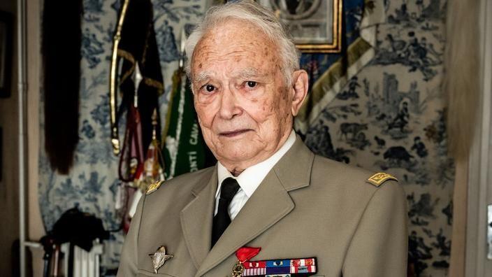 HARKIS : Le général  Meyer,  Grand-croix de la Légion d'honneur