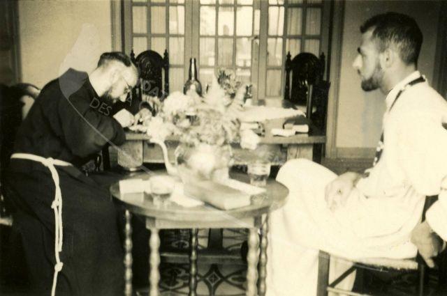 Repas en salle à manger/  Pères blancs / Tunisie